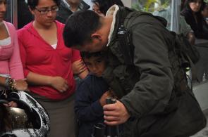 Recibimiento a policías rescatados en El Tambo, Cauca