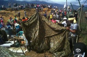 Imágenes: Indígenas desalojan base militar en cerro de Toribío, Cauca