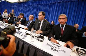 Imágenes de rueda de prensa del Gobierno y las Farc