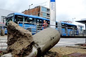 Imágenes: deterioro tiene en jaque infraestructura del MÍO en Cali