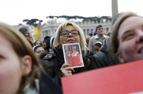 Fotos: así fue el último ángelus de Benedicto XVI