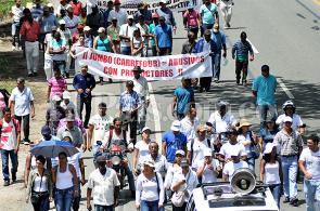 En fotos: paneleros del Valle marcharon a favor del paro agrario