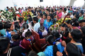 Imágenes: el último adiós de las comunidades a los indígenas asesinados en Toribío