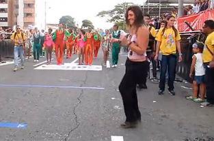 La actriz Andrea Gómez se gozó el Salsódromo - elpais.com.co