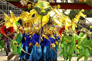 Recordando el 2012: el Cali Viejo de la Feria y sus tradicionales comparsas - elpais.com.co