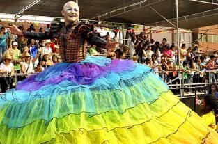 Imágenes: una explosión de color se vivió en el desfile del Cali Viejo - elpais.com.co