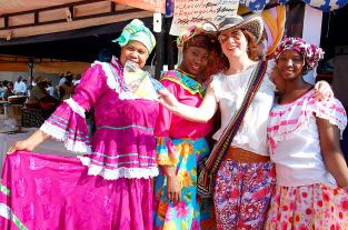 Video: la magia del Pacífico contagió a los extranjeros de la Feria - elpais.com.co