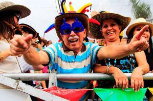 Extravagancias y pintas exóticas vistieron a los personajes de la Feria de... - elpais.com.co