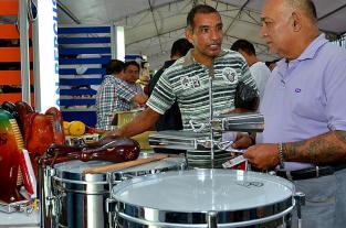 Con maracas y buena música los melómanos hicieron del encuentro una fiesta - elpais.com.co