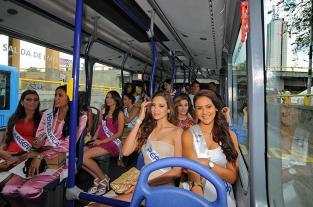 Imágenes: las llaves de Cali, en manos de las candidatas al Reinado... - elpais.com.co