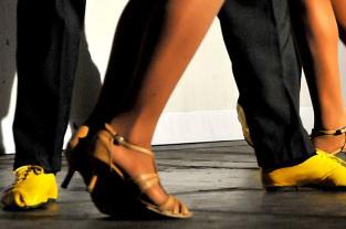 Aprenda a bailar salsa con Delirio: cómo hacer repiques - elpais.com.co