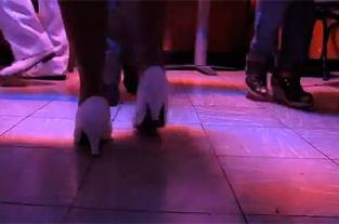 Dos caleños muestran como es que se baila en Cali - elpais.com.co