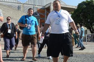 Luchadores de Sumo hicieron el pesaje oficial para competencias en World... - elpais.com.co
