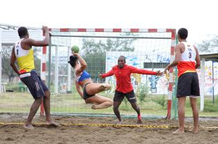 El Balonmano Playa, una emoción sobre la arena durante los Juegos... - elpais.com.co