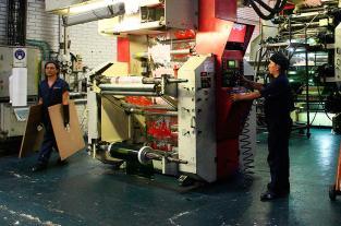 Crecimiento de producción industrial cayó a 2,9% por baja de empleos