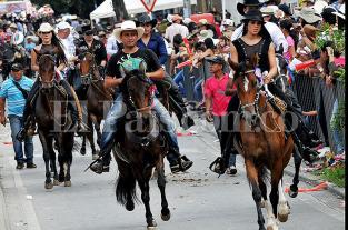 Video: así se vivió la Cabalgata de la Feria de Cali 2013 - elpais.com.co