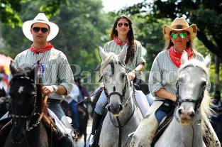 Cabalgata de la Feria de Cali, un desfile de paso fino y mujeres lindas - elpais.com.co