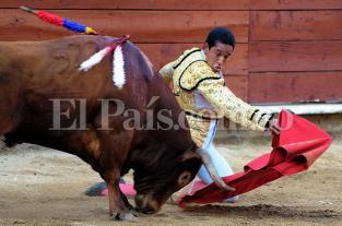 Imágenes: dos orejas se llevó Paco Perlaza en la cuarta corrida de toros de la Feria de Cali - elpais.com.co