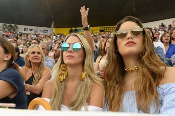 La Plaza de Toros se iluminó con la belleza de las mujeres caleñas - elpais.com.co