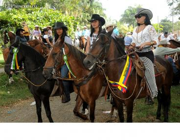 Palmira comenzó este viernes su feria con la cabalgata