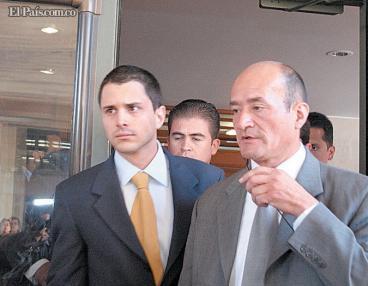 Uribe denunció por prevaricato al magistrado que pidió investigar a su hijo