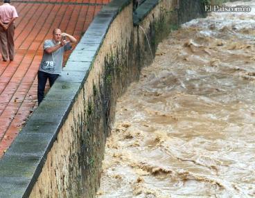 Fuerte ola invernal afecta la movilidad de los caleños