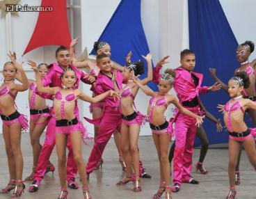 Bailarines y bailadores pusieron a gozar a Cali en su Feria