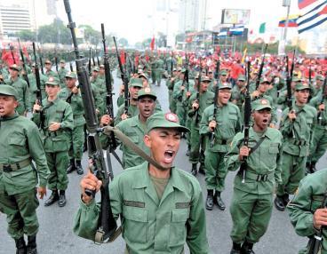 Las milicias de Chávez ahora batallan desde las aulas de clase