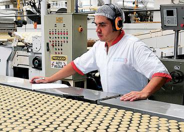 Cultivos de quinua se aprovechan para producir galletas