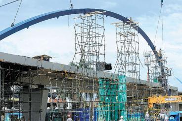 El puente de la Autopista Sur con Carrera 44 está listo en un 68%