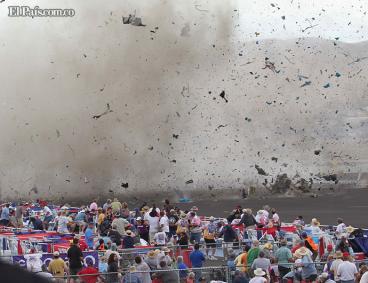 Al menos nueve muertos deja accidente en espectáculo aéreo en EE.UU.