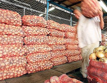 El aumento de precios en productos de la canasta familiar 'asusta' a los caleños