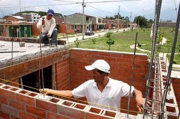 10.000 viviendas gratis le tocarían a las familias pobres del Valle del Cauca