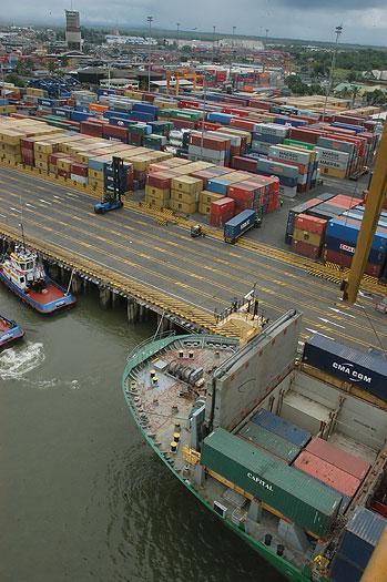 Investigarán posible violación en los derechos laborales en el puerto de Buenaventura