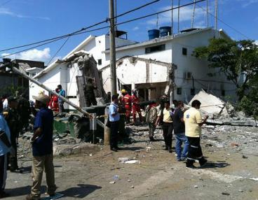 Seis muertos, 32 heridos y daños en 48 viviendas dejó atentado en Villa Rica, Cauca
