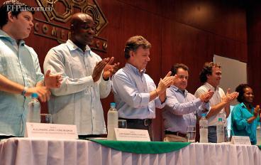 Pese a esperanza de paz, Colombia aumenta presupuesto de defensa