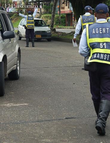 Agreden a guardas de tránsito en Buenaventura, durante operativos de Amor y Amistad