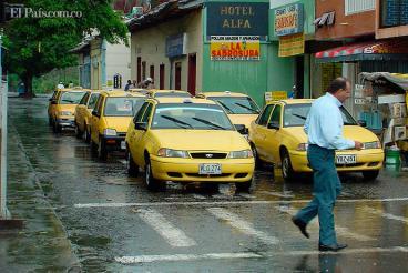 Gremio de taxistas prepara marcha para el 24 de diciembre en Cartago