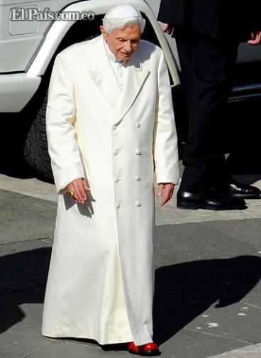Sastrería Gammarelli confecciona 3 sotanas de tallas distintas para el nuevo papa