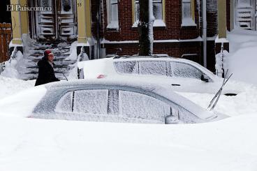 Estados Unidos se repone de tormenta de nieve que dejó diez muertos