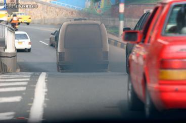 Motos y carros causan 80% de emisiones de dióxido de carbono en Cali, dice nuevo estudio