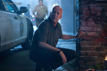 Bruce Willis de nuevo como policía en su nueva película 'Fuego con fuego'