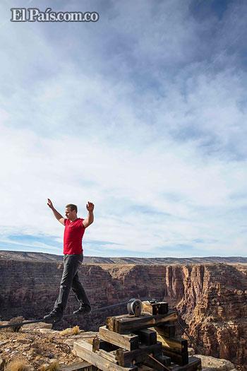 Nik Wallenda cruzará el Gran Cañón caminando sobre una cuerda floja