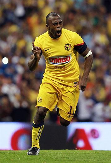 El mundo del fútbol lamenta la inesperada muerte del ecuatoriano 'Chucho' Benítez