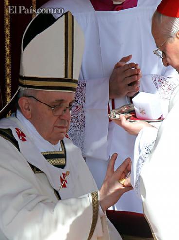 Vaticano presenta primer encíclica del papa Francisco