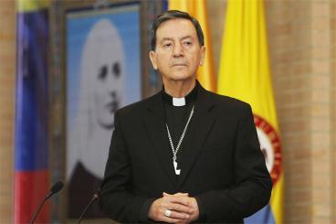 Iglesia Católica reitera oposición a permitir adopción a parejas del mismo sexo