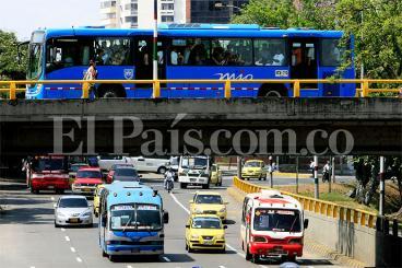 """Buses tradicionales en Cali irán hasta marzo"": Presidente de Metrocali"