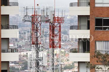 Antenas de telecomunicaciones,  un lío de alto espectro