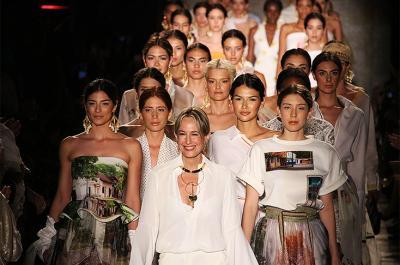 En imágenes: derroche de glamour y elegancia en el desfile de Silvia Tcherassi