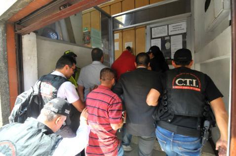 Formulan cargos a cuatro militares por 'carrusel' de armas en la Tercera Brigada de Cali